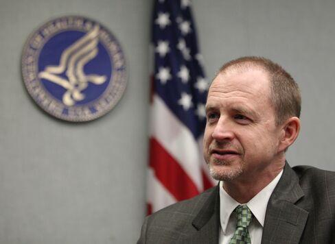 U.S. Health Insurance Regulator Larsen to Leave Government