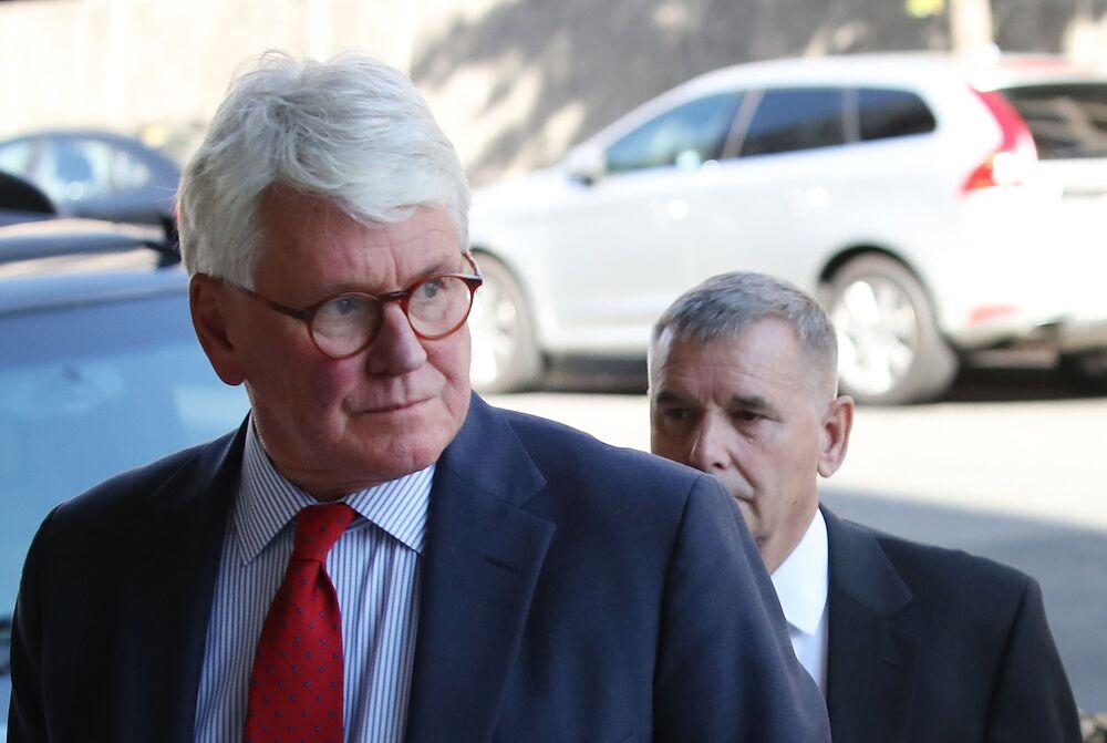 Craig Pushed Skadden to Hire Manafort Relative, U.S. Says