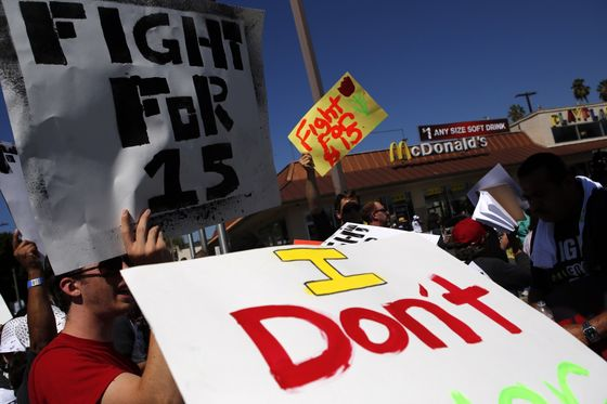 McDonald's Wins High-StakesLabor Battle With Help From White House