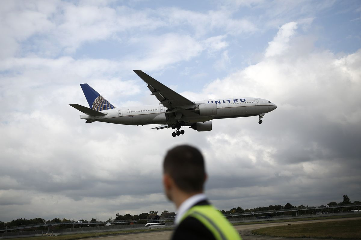 United Is Sued for Denying Sick Man's Request to Land Plane
