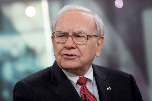 Proof Warren Buffett Doesn't Take Investing Cues From Al Gore