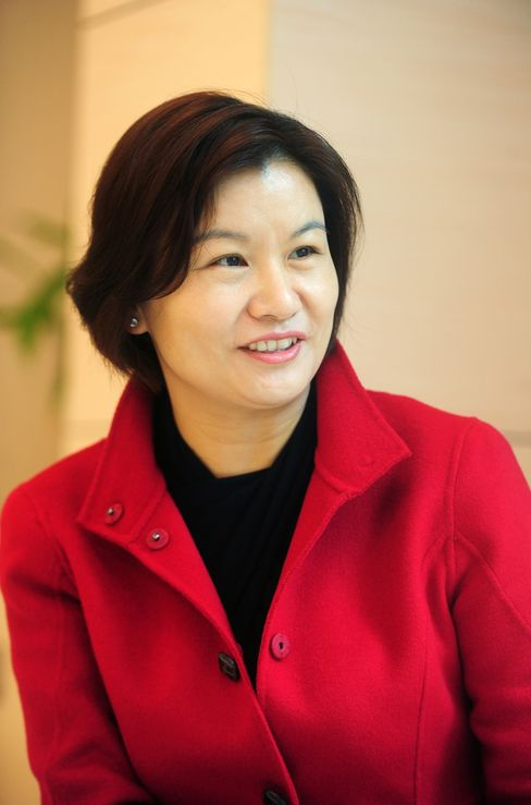 Zhou Qunfei, chairwoman and president of Hunan-based Lens Technology.