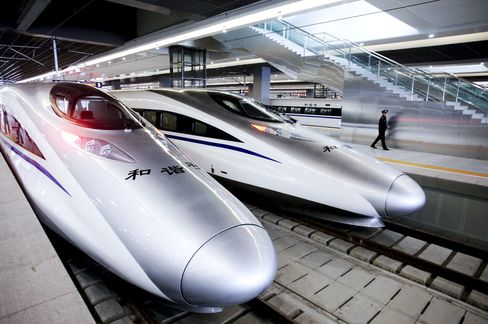 China Plans Rail Ministry Breakup to Curb Red Tape, Corruption