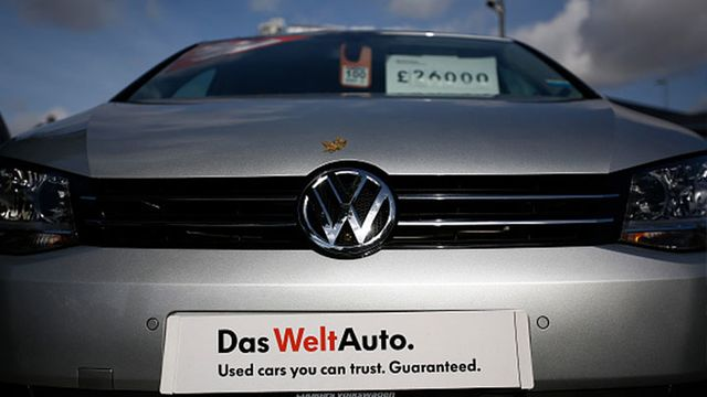VW Giving $1,000 to Car Owners in Emissions Cheating Scandal - Bloomberg