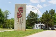 relates to The Time Republicans Helped Build an All-Black Town Called 'Soul City'