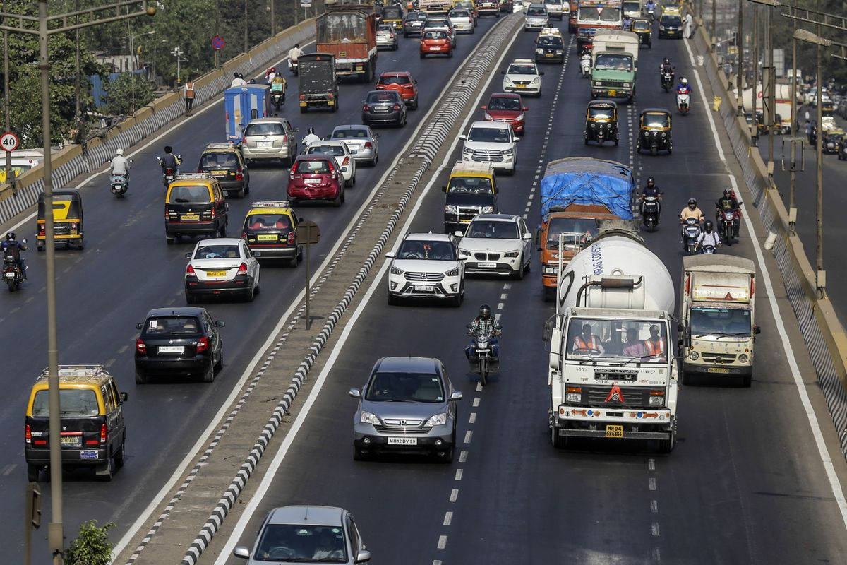 A $42 Billion Slump Makes Auto Stocks the Worst Sector in India