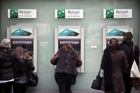BNP Paribas Quarterly Net Falls 45% as Trading Revenue Declines