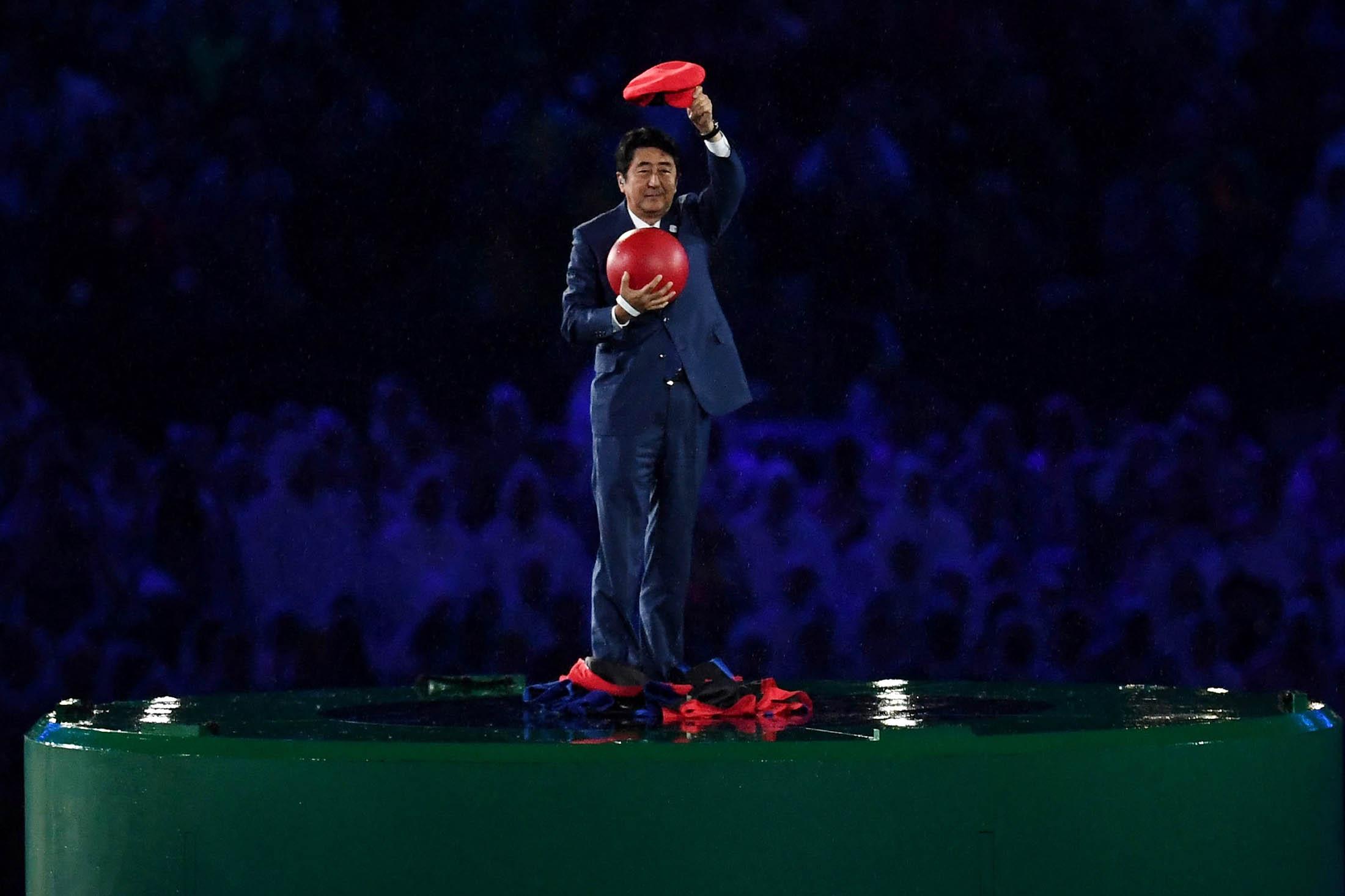 「安倍マリオ」が登場、サプライズ演出に沸く-リオ五輪閉会式
