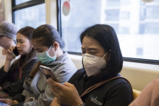 The World's Most-Visited CityFaces a Battle Against Toxic Smog