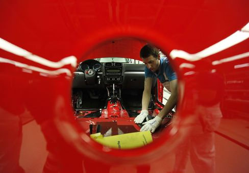 German Growth May Grind to Halt as Crisis Saps Exports