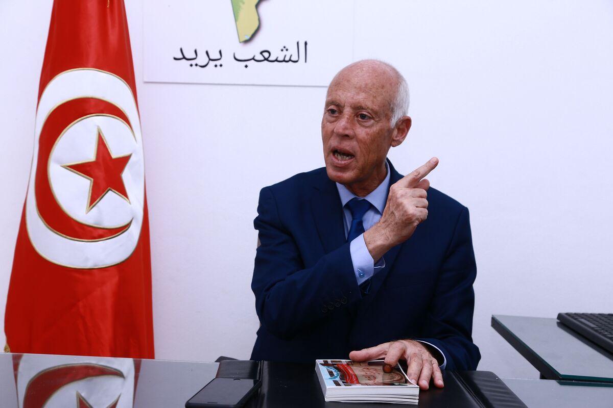 Professor, Jailed TV Mogul Head to Run-Off in Tunisia Presidential Race