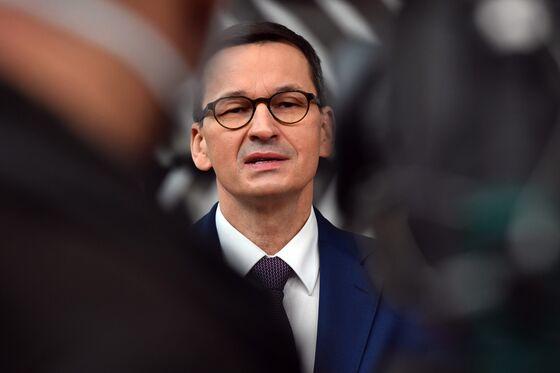 Polish Premier Urges Calm as Coalition Partner Upset by EU Deal