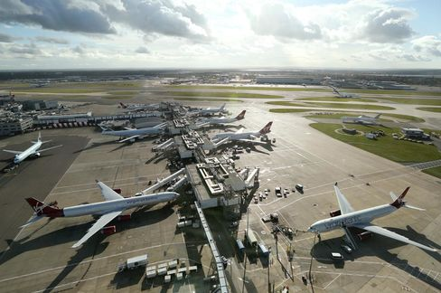 London Mayor Aims to Swap Heathrow Hub for 100,000-Home Town