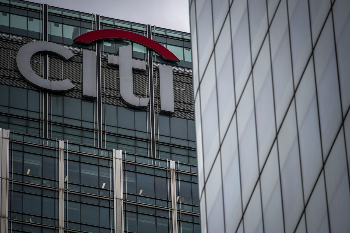 Citigroup Advises Bearish Bet on Stocks, Funded by Oil Options