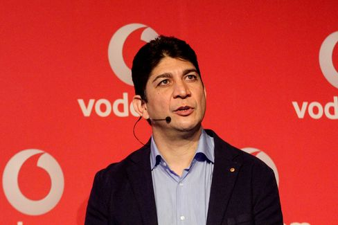 Vodacom CEO Shameel Joosub, (pictured) has a brother, aunt, and uncle among 20 South African, British and Indian citizens detained at an airport in Erdos, Inner Mongolia.