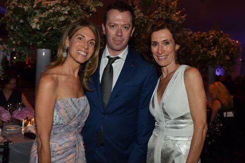 Caryn Zucker, Alexei Ratmansky, and Emily Blavatnik. Photographer: Amanda Gordon/Bloomberg