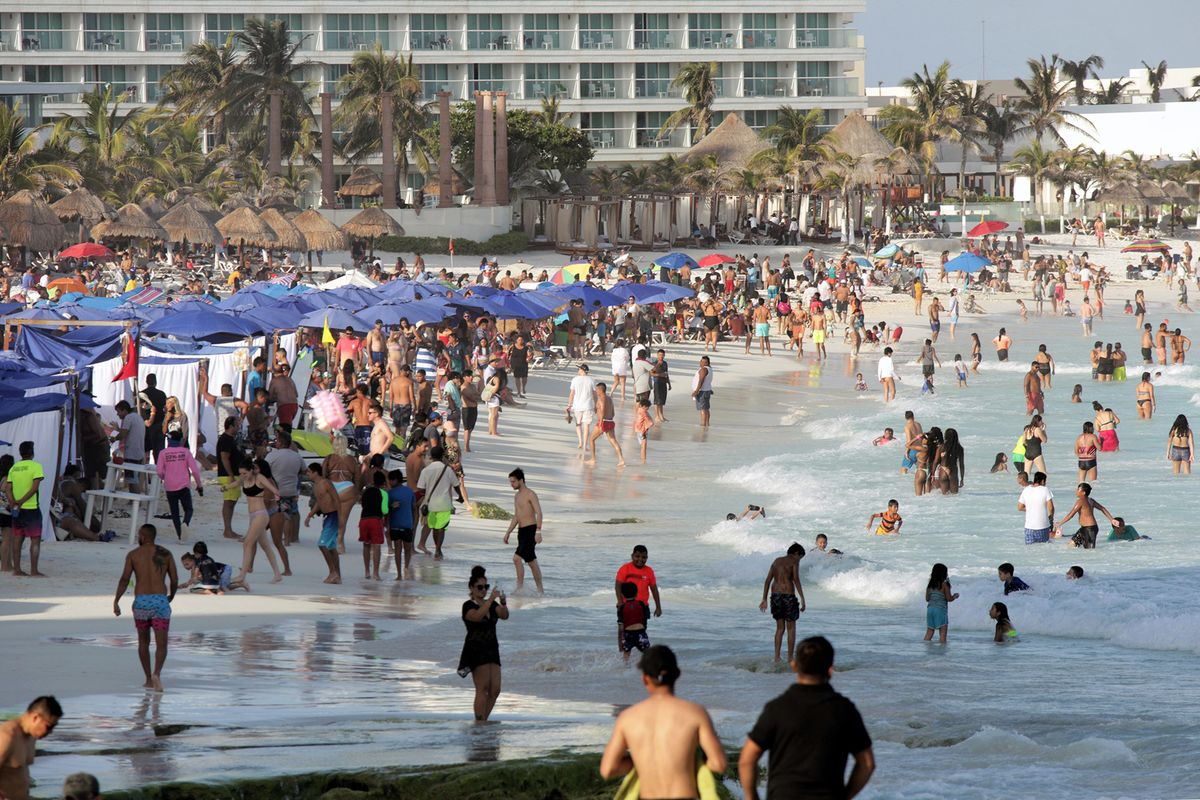 Naked girls on cancun beach Covid Explodes In Cancun Los Cabos As New Wave Hits Mexico Bloomberg