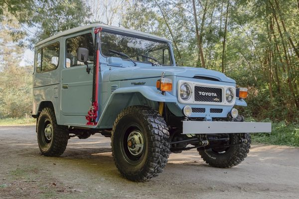 Lovely Toyota Made Virtually The Same Version Of The FJ40 For Decades Without Any  Significant Changes. Itu0027s A Testament To The Trucku0027s Timeless Design And  Simple, ...