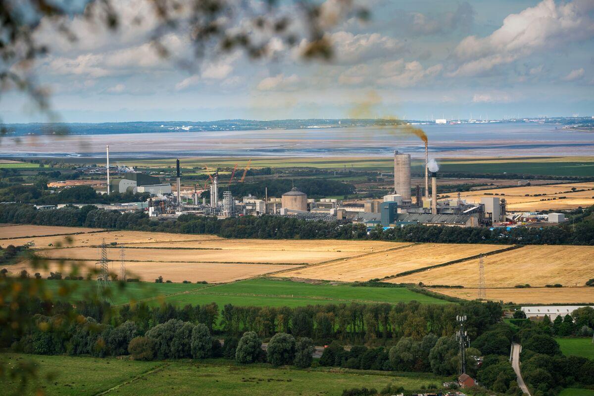 Energy Crisis Darkens Pound Outlook Even as Market Prices Hikes