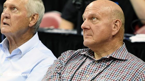 Billionaire Ballmer Says Clippers Will Lose at Least $10 Million