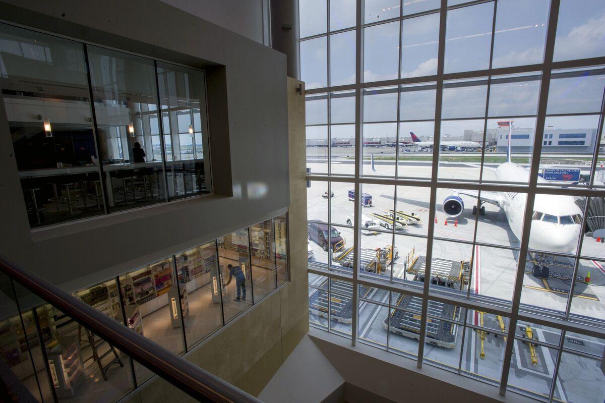 Delta Isn't Leaving Atlanta, So Please Stop Talking About It thumbnail