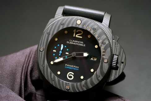 Panerai Luminor Submersible 1950 Carbotech, the first watch ever made of the new composite.