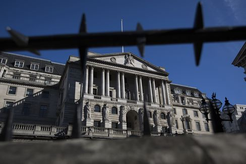Bean Says BOE Giving a 'Clear Signal' Rate Increase Not Imminent