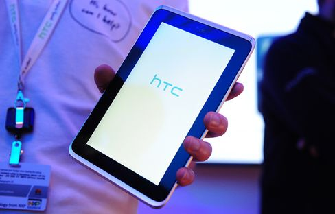 HTC Said to Plan Windows Tablets to Challenge Apple-Led Market