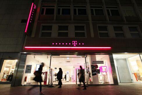 Germany Asked to Forgo $1.3 Billion Deutsche Telekom Payout