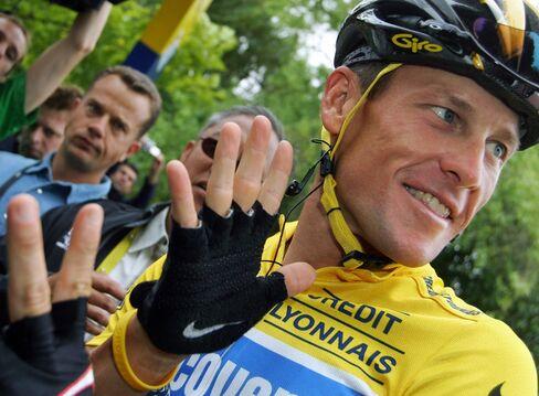 Lance Armstrong Loses Seven Tour de France Titles, Gets Life Ban