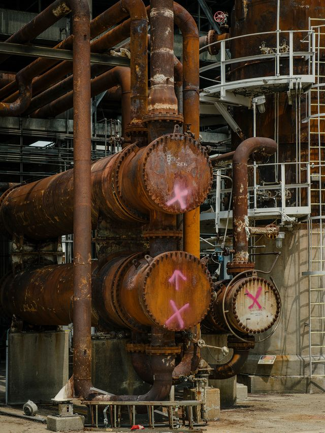 Pink Xs mark equipment around the Philadelphia oil refinery, designating anything that holds valuable metals like brass or stainless steel inside.