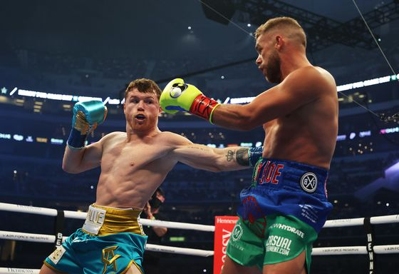 DAZN Tops Mobile Streaming Sessions With Alvarez-Saunders Fight