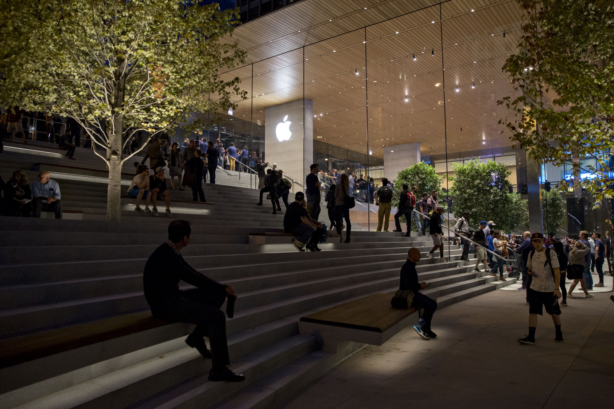 Apple's entire business is now being powered with clean energy