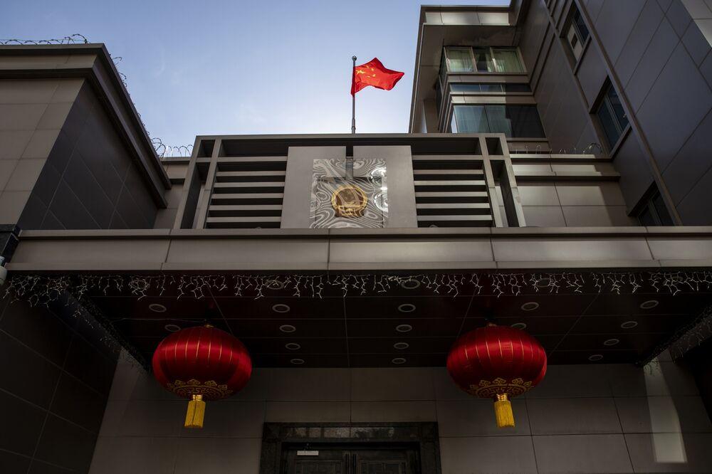Quốc kỳ Trung Quốc bên ngoài tòa nhà Tổng lãnh sự quán Trung Quốc tại Houston, Texas, vào ngày 22 tháng 7. Nhiếp ảnh gia: Scott Dalton / Bloomberg