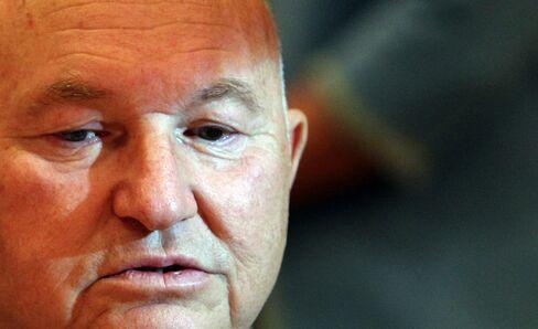 Medvedev Fires Moscow Mayor Luzhkov