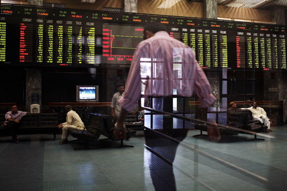 Snaring Tax Cheats May Help Pakistan Assets Attract Billions
