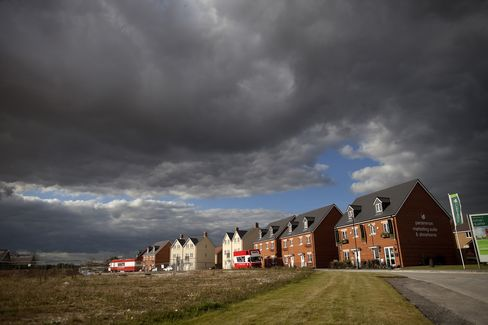 U.K. House Prices Fall as Nationwide Predicts Stagnation at Best