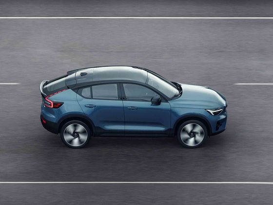 Volvo to Go Electric-Only and Shift Sales Online From 2030