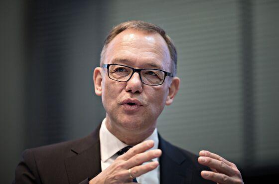 Kuehne Weighs Blockbuster M&A as Logistics Firms Consolidate