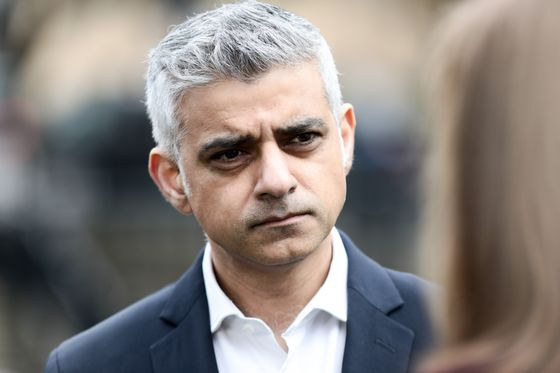 London Mayor Adds to Pressure on Corbyn Over New Brexit Vote