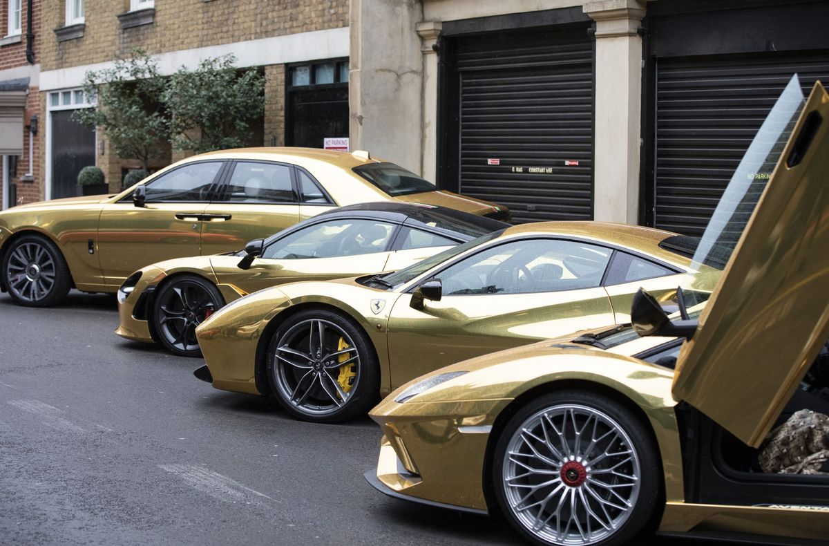 Lamborghini Looks at Some Ferrari-Style Engineering
