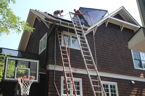 NRG and Exelon See Batteries Boosting Demand for Solar Rooftops