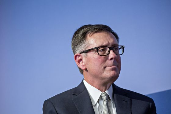 Fed Should Try to Offset Headwinds If They Persist, Clarida Says