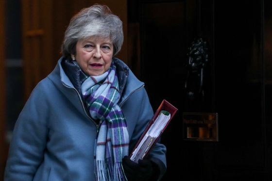 Labour's 'Fraying'Brexit Compromise Shows May a Path to Victory