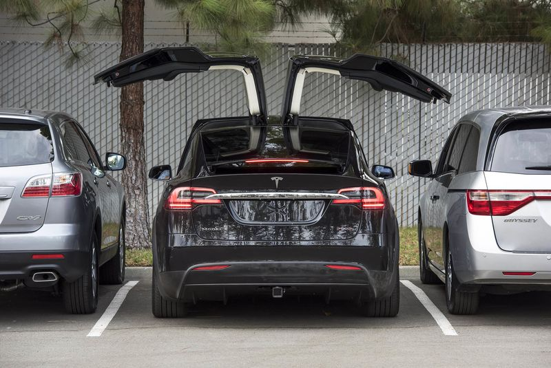 First Drive The New Tesla Model X Suv Has Some Surprises Bloomberg