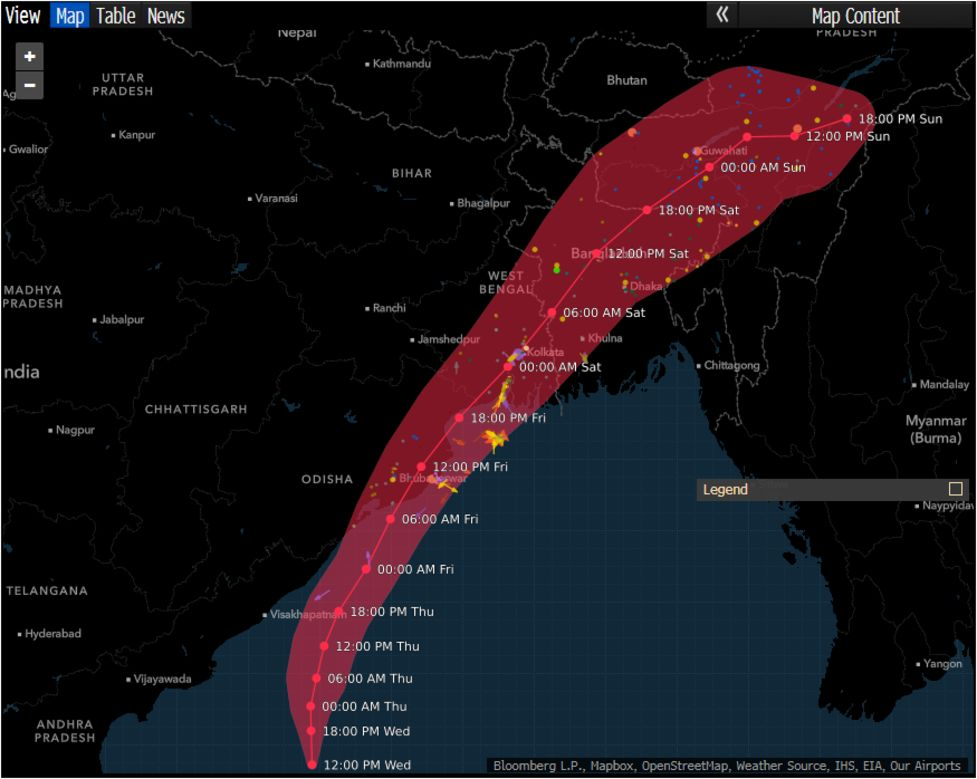 Almost 1 Million Being Evacuated as Cyclone Fani Nears India - Bloomberg