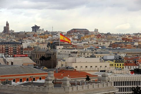 Spanish Bonds Advance for Third Day as Demand Rises at Note Sale