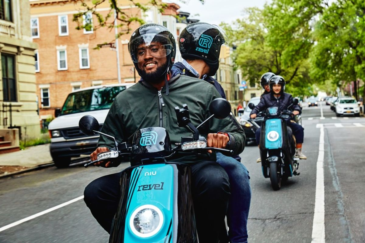 How Safe Are Revel S Rentable Electric Mopeds Bloomberg