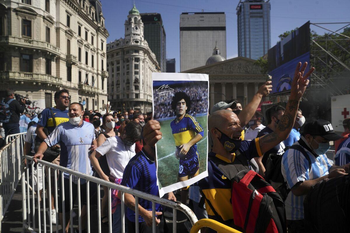 Billionaire Eurnekian Vows Maradona Statue at Argentina Airport