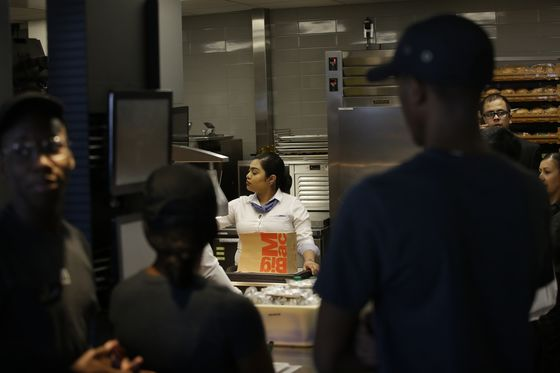 McDonald's Riles Franchisees With Demand to Pay for Kitchen Wall